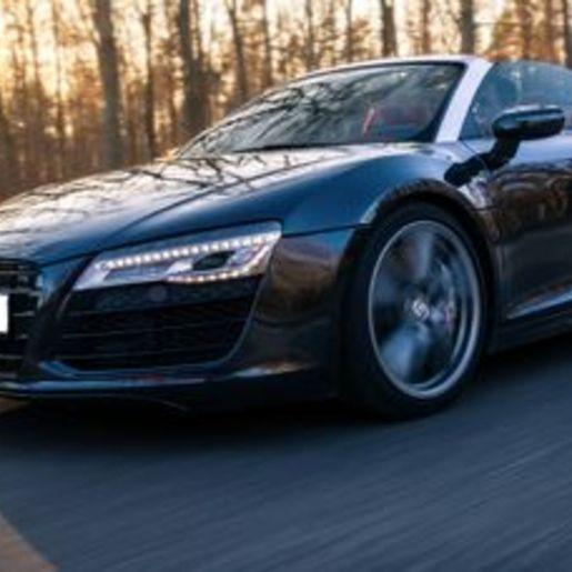 Audi R8 fahren Train