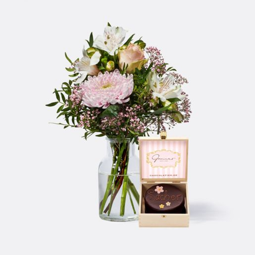 Wiesenstrauß Freude für Dich mit Mini Sachertorte Blumen