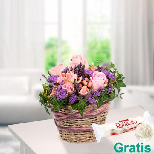 Blumenarrangement Rosenzauber