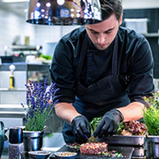 Gastgeber- und Koch-Kurs in der Jochen Schweizer Arena fuer 2