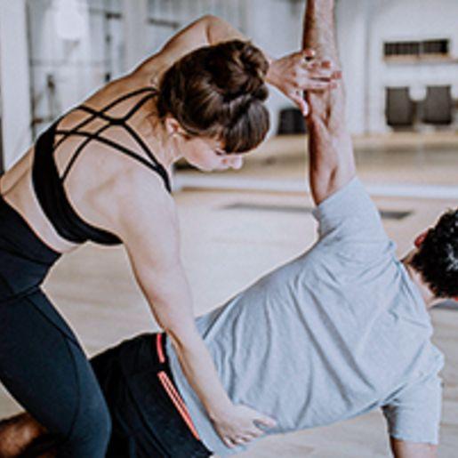 Power Vinyasa Yoga Kurs (75 Min.)