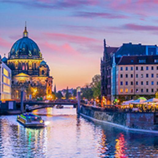 Dinner & Abendliche Schifffahrt Berlin fuer 2