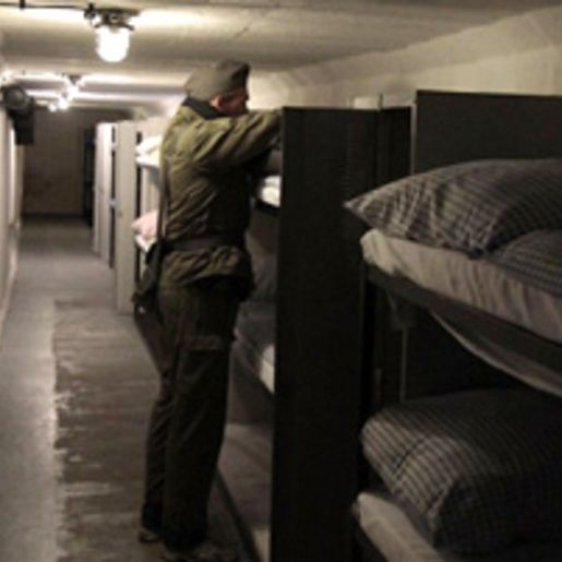 Uebernachtung im Bunker-Hotel bei Ilmenau fuer 2