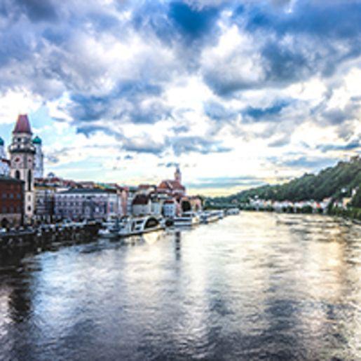 Stadtfuehrung im Cabriobus in Passau