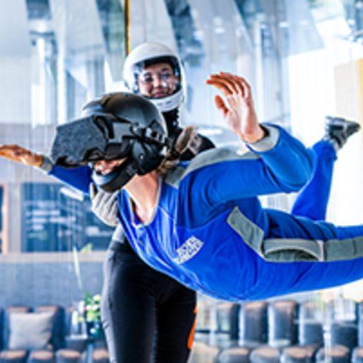 VR Bodyflying Weltraum fuer Erwachsene in Taufkirchen