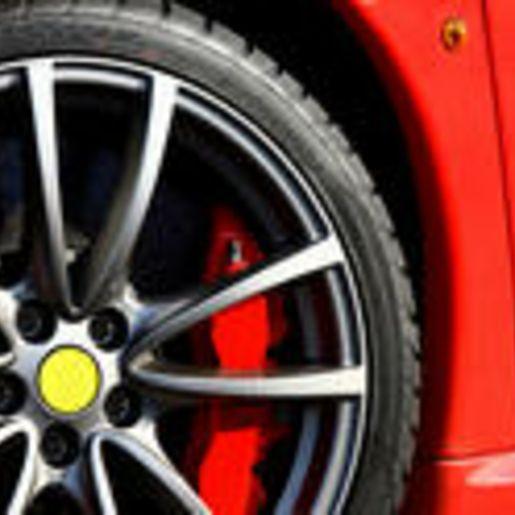 Ferrari fahren Rennstrecke