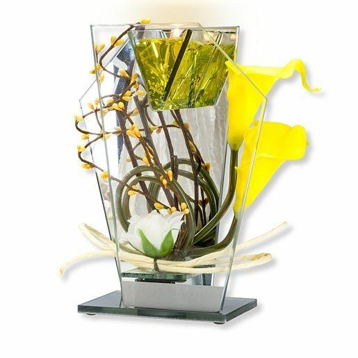 Glas-Spiegel-Windlicht mit gelber Blumen-Deko und LED
