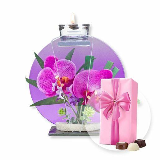 Rundes Glas-Windlicht mit Orchideen-Deko und Belgische Pralinen