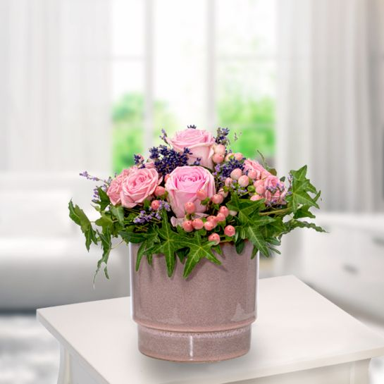 Blumenarrangement Rosenglück